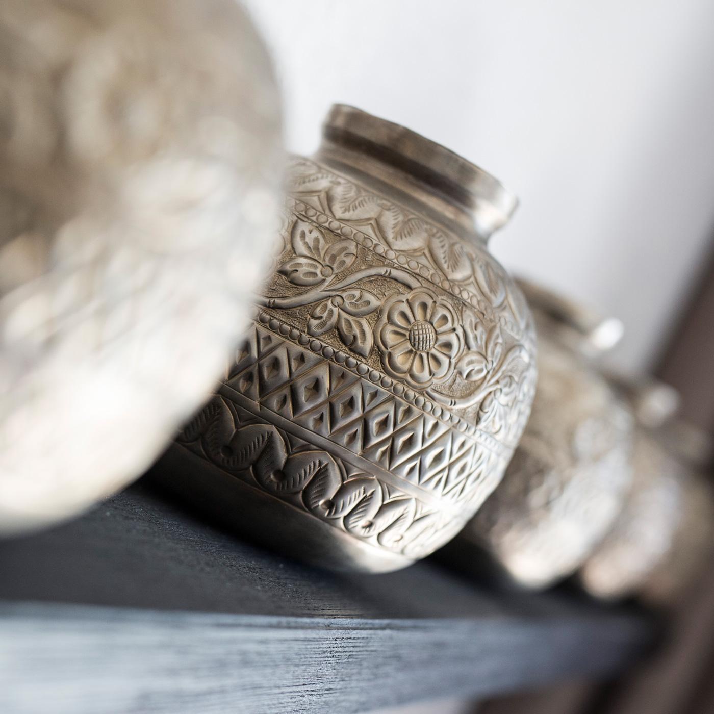 Getöpferte Gefäße im arabischen Stil