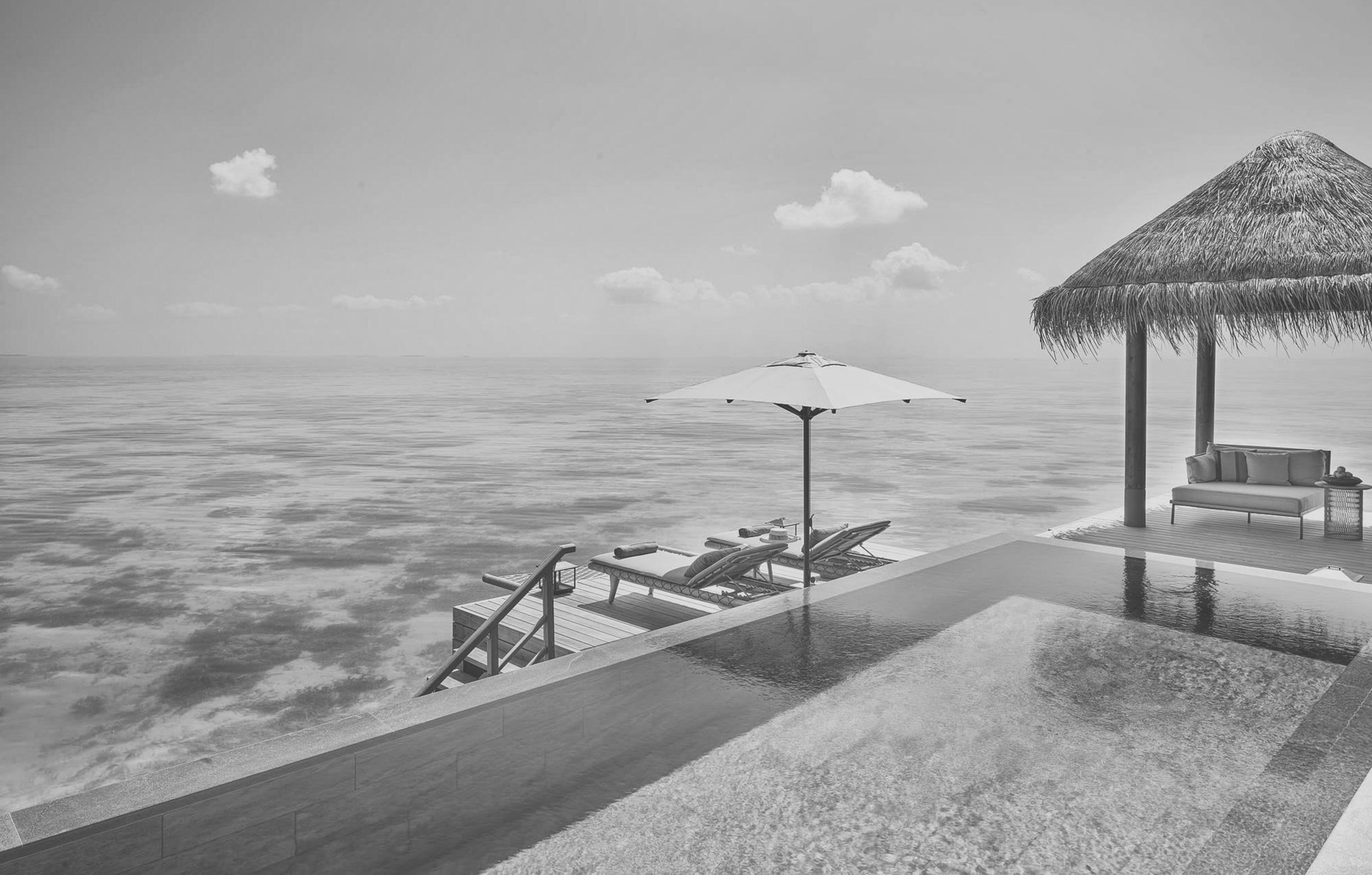 Pool einer Ocean Residence des Joali
