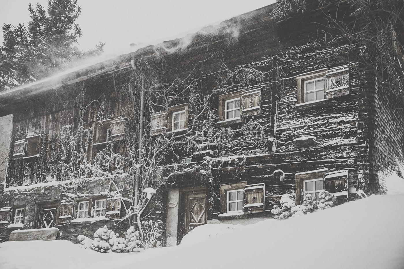 Außenansicht einer Hütte des Guarda Val