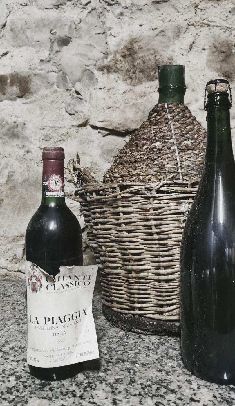 Sehr alte Chianti-Weinflasche
